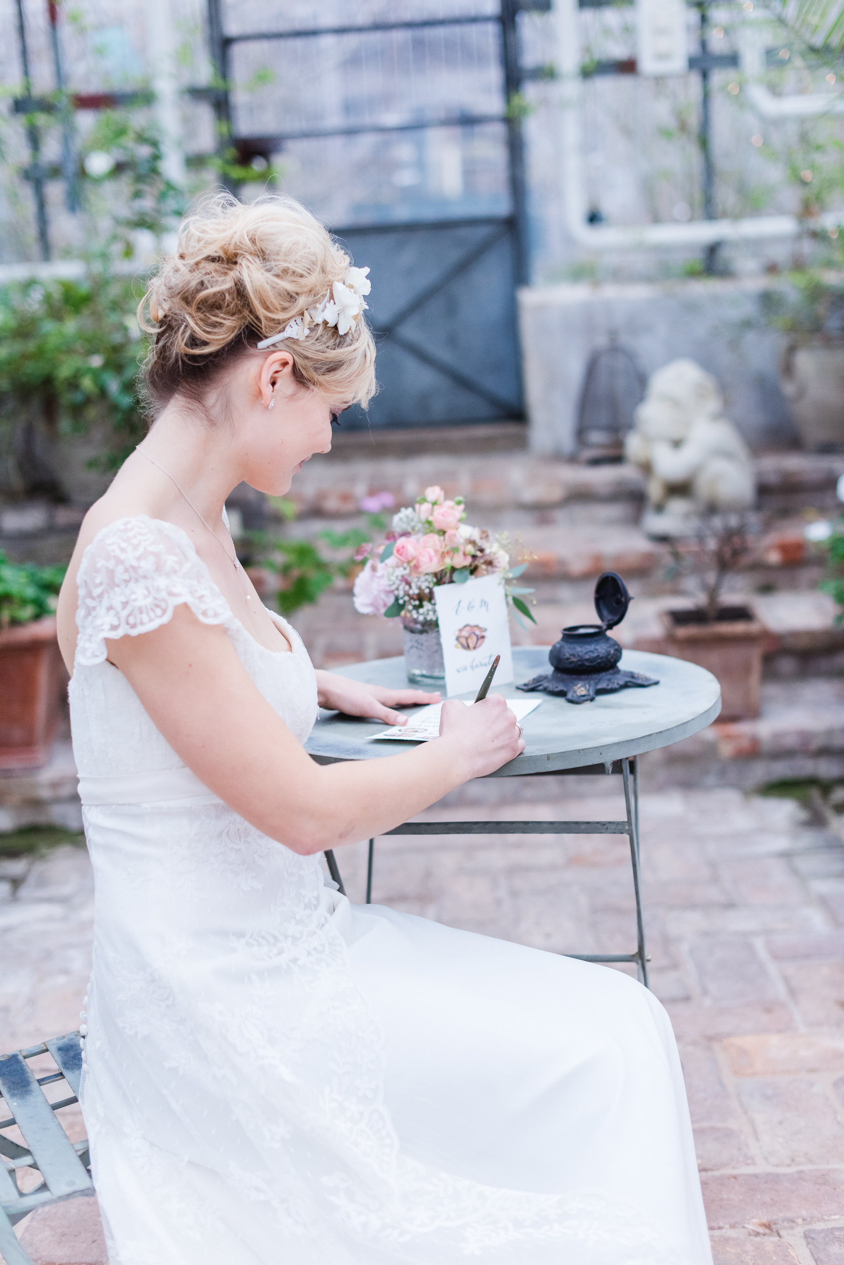Romantic Look - Inspiration Bridal Styling 2015 / Kalligrafie